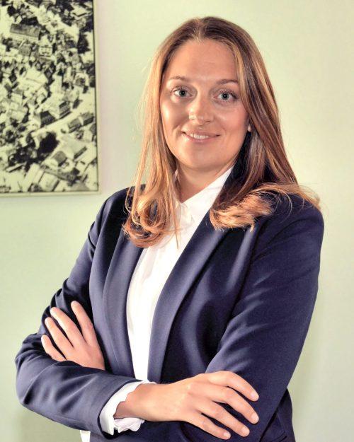 Attorney Lara Holzer